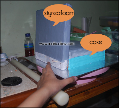 Laptop Cake _ how to 1 - Maki Cakes