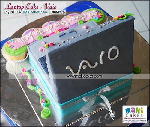 Laptop Cake _ Viao - Maki Cakes
