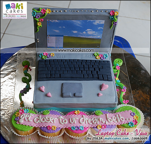 Laptop Cake _ Viao_ - Maki Cakes