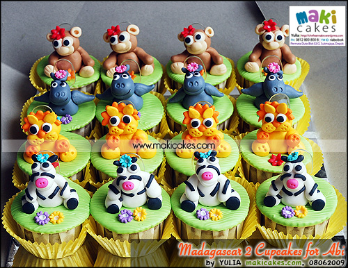 Madagascar 2 Cupcakes for Abi - Maki Cakes