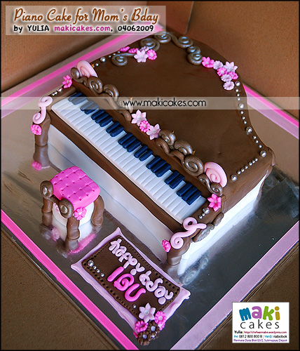 Piano Cake for Mom's Bday - Maki Cakes