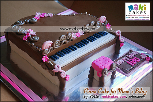 Piano Cake for Mom's Bday__ - Maki Cakes