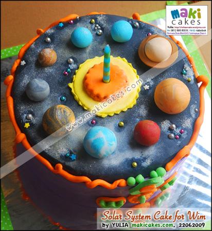 Solar System _ Planet Cake for Wim_ - Maki Cakes