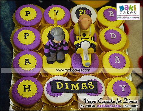 Vespa Cupcakes for Dimas - Maki Cakes