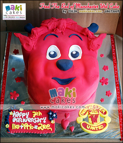 Fred the Red of Manchester United Cake - Maki Cakes