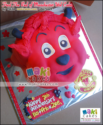 Fred the Red of Manchester United Cake_ - Maki Cakes