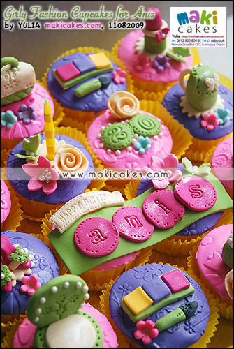 Girly Fashion Cupcakes for Anis - Maki Cakes