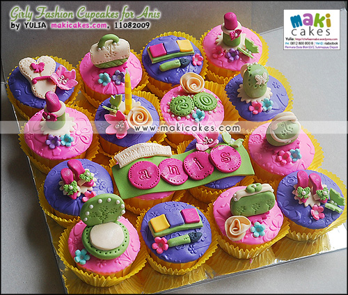 Girly Fashion Cupcakes for Anis_ - Maki Cakes
