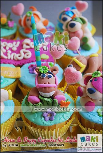 Horse & Puppy Cupcakes for Linda__ - Maki Cakes