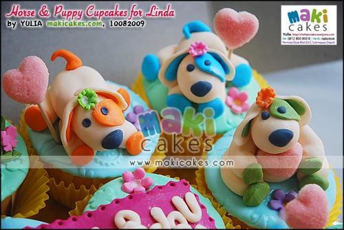 Horse & Puppy Cupcakes for Linda____ - Maki Cakes