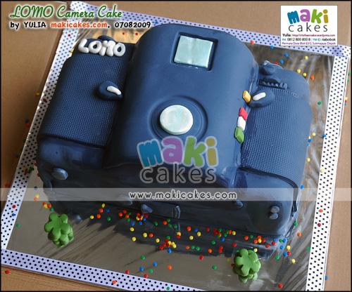 LOMO Camera Cake - Maki Cakes