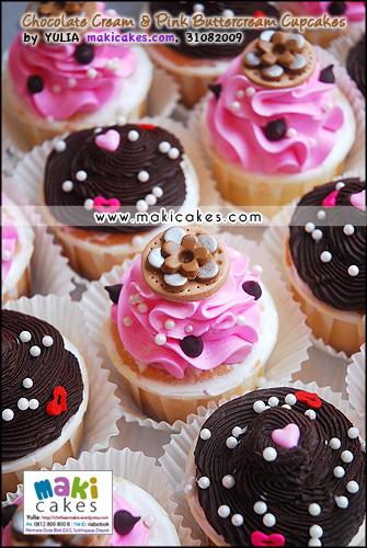 Chocolate Cream & Pink Buttercream Cupcakes mba Irine_ - Maki Cakes