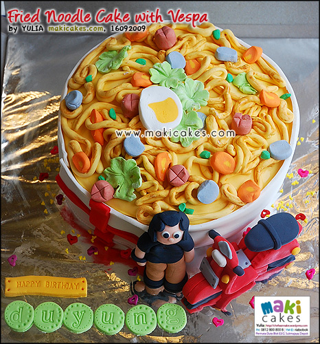 Fried Noodle Cake with Vespa_ - Maki Cakes