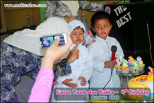Birthday Kintan 2009 - Singing with friend