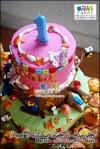 Pooh Autumn Cake & Cupcakes for Nicole__ - Maki Cakes